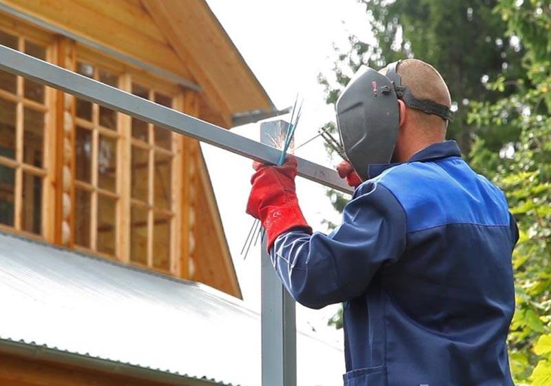 Для надежной ограды рекомендуется использование деталей меньшей ширины