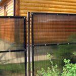 Как закрепить поликарбонат на металлический каркас: установка ограждения