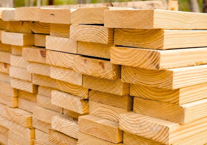 Как сделать деревянный забор с кованными элементами своими руками