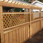 Выбор декоративного заборчика для дачи и сада: оригинальные решения