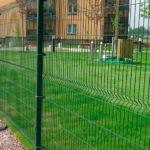 Секционное ограждение из зеленой сетки