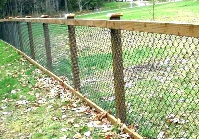 Через сколько метров лучше ставить столбы для забора из сетки рабицы